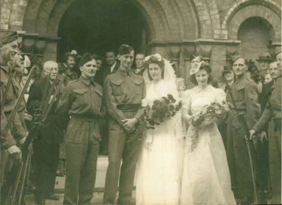 Wartime marriage of Jean and George Spear