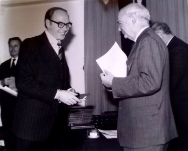 Stan Goodall meeting Edward Lewis